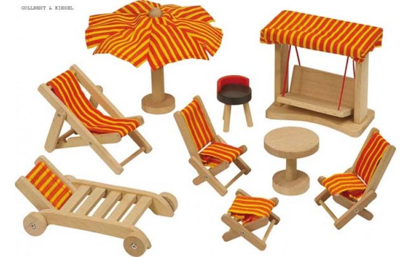 Dolls' house, garden furniture